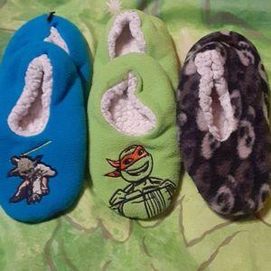 3 sets of slippers sz 10/11 Yoda, Skull, TMNT
